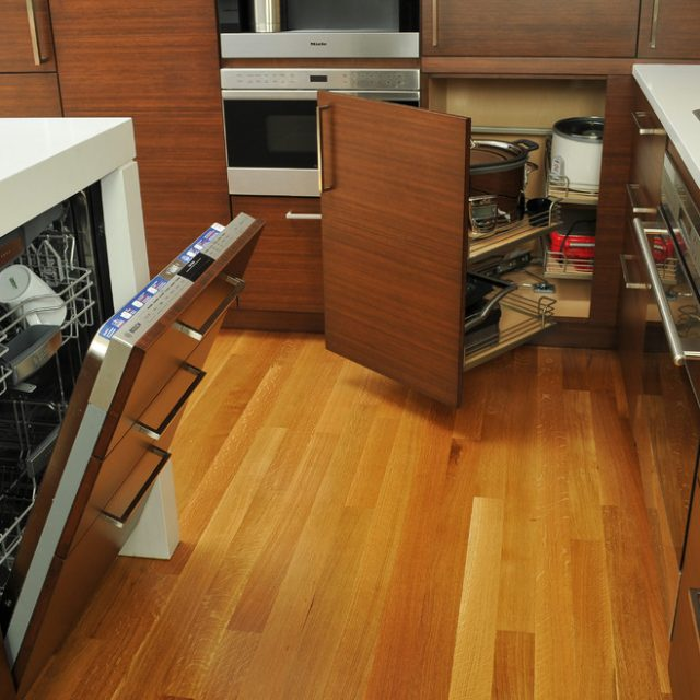 Practical Kitchen Appliance Arrangements