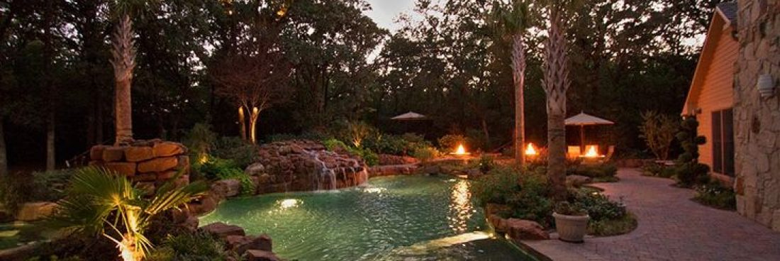 Landscaping project: infuse romance and freshness into your outdoor area