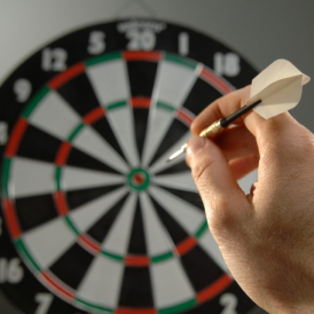Electronic vs. Bristle Dart Board – what should you go for?