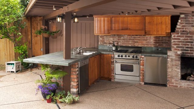 Outdoor Kitchen – Costs and Building Tips