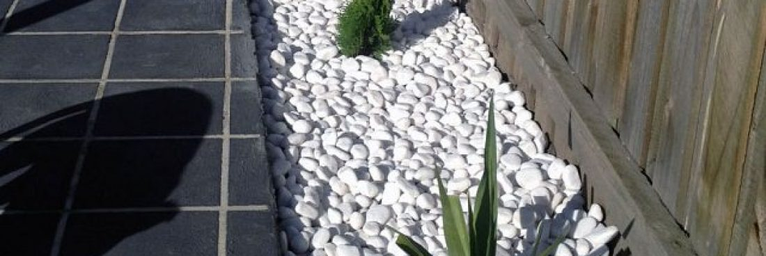 Useful tips to decorate your garden with pebbles