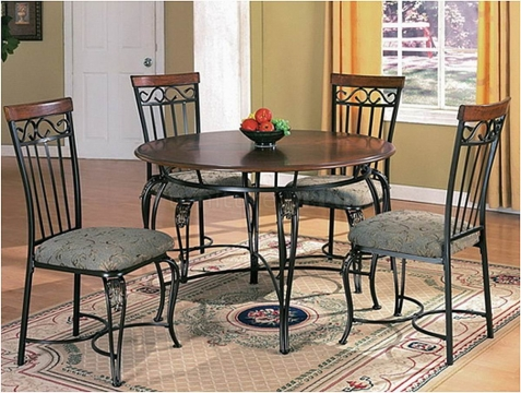 How to Save Money by Refurbishing Old Furniture Picture
