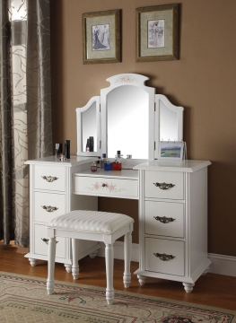 Simple Tips for Organizing Your Vanity Desk Picture